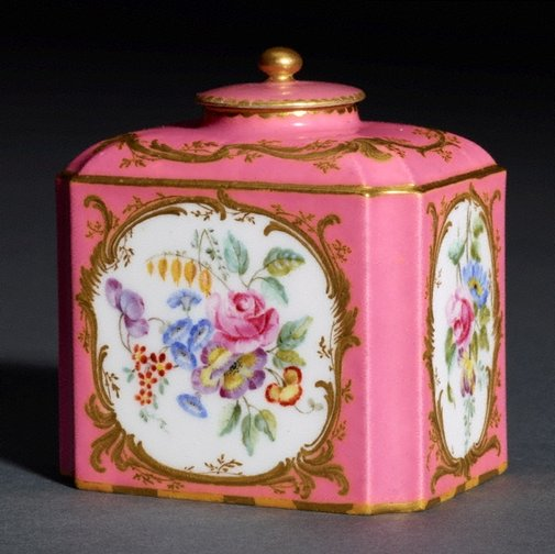 An image of Tea canister and cover by Sèvres