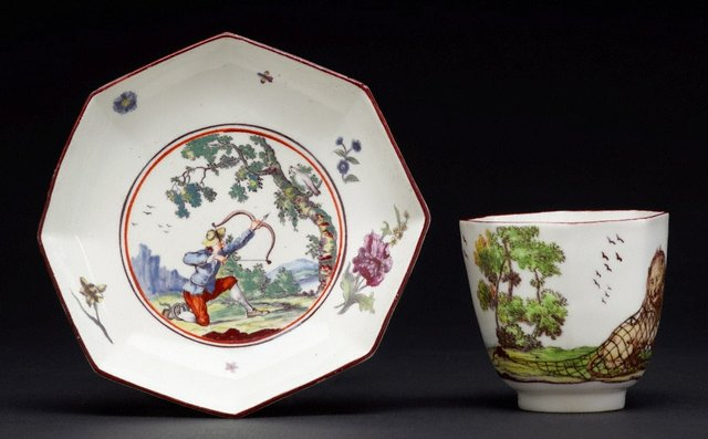 An image of Tea bowl and saucer