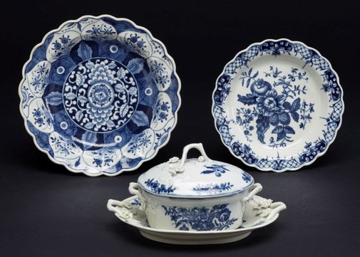 An image of Small oval tureen, cover and stand by Worcester