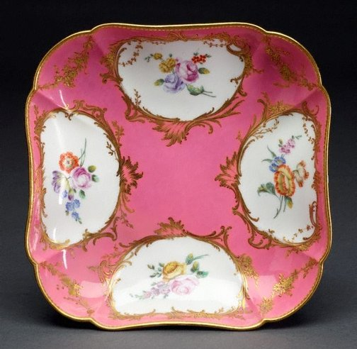 An image of Square dish by Sèvres