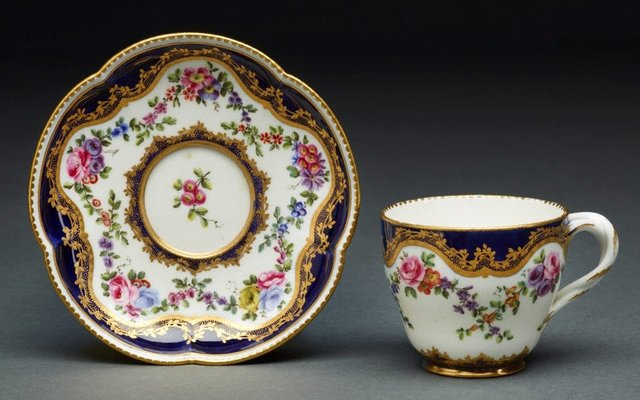 An image of Cup and saucer (gobelet Hebert)