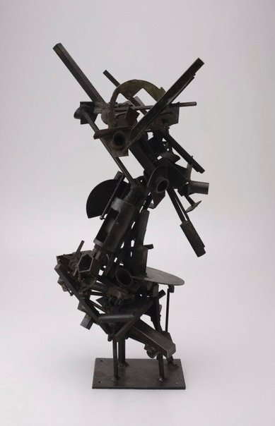 An image of No 102 Metal construction by Robert Klippel