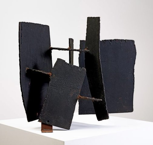 An image of Thunder by Clement Meadmore