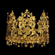 Image: Crown, gold, 45 × 13 cm, Tillya Tepe, Tomb VI, 1st century AD, National Museum of Afghanistan, Credit: Thierry Ollivier
