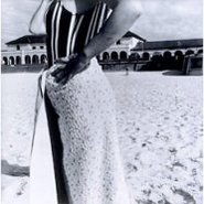 Image: Fiona Hall Bondi Beach, Sydney, Australia, October 1975 1975, gelatin silver photograph, 28.2 × 27.9 cm, Hallmark Cards Australian Photography Collection Fund 1987 © Fiona Hall