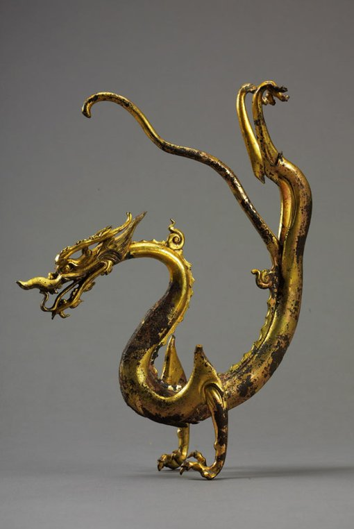 Dragon c700sgilded bronze with an iron coreunearthed from Caochangpo in the southern suburb of Xi'an, 1975Shaanxi History Museum