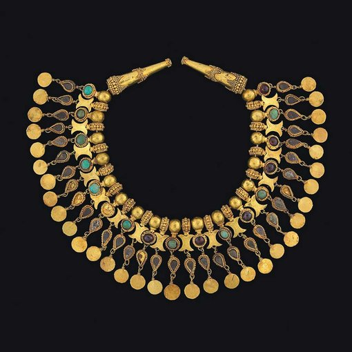 Ornament for the neck of a robegold, turquoise, garnet, pyrites, 29.1 cm lTillya Tepe, 1st century CENational Museum of Afghanistan